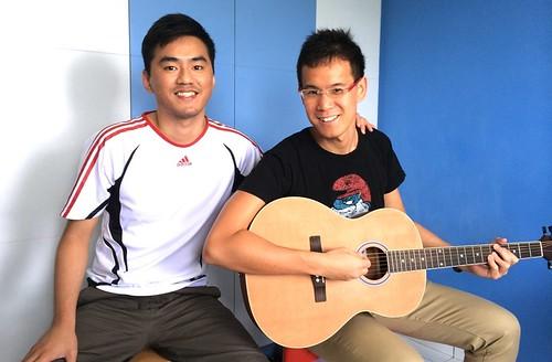 Beginner guitar lessons Singapore CZ