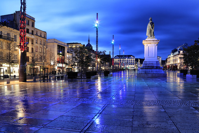 La ville en bleu // The city in blue