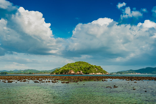 rebakkechil pulaurebakkechil rebakisland landscape scene scenery scenicsnotjustlandscapes scape scenic sea seascape water clouds cloud tropical vista view paradise outdoor shallow nikon nikkor nature ngc 1635mmf4ged 1635mmf4vr 1635mm uwa ultrawideangle wideangle malaysia langkawi tripod travel sky d750 postcard