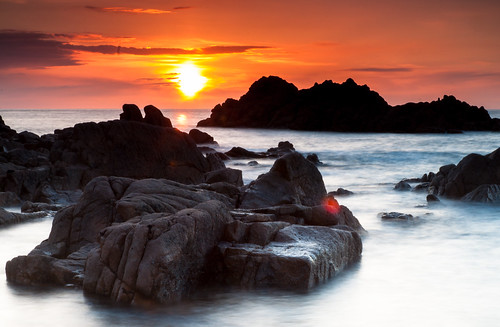 light sunset summer beach landscape rocky guernsey channelislands lightroom cobobay milkywater canoneos500d