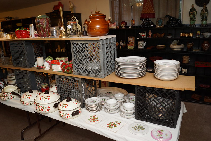 Huge Estate Sale! Castle Rock, WA August 23, 24 & 25 - 2013! Photo #DSC04746