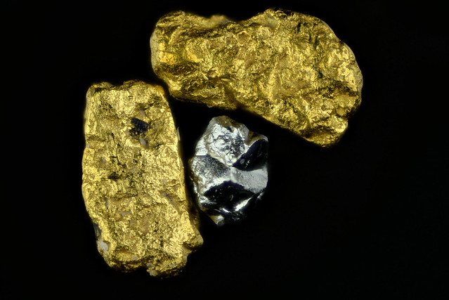 Pacer gold and platinum-group-element alloy