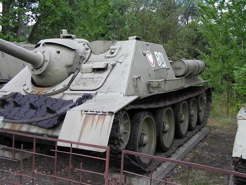 SU-85 1