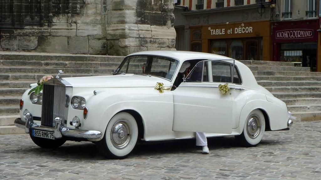 la meilleure attitude b9e3e f1ba2 La Rolls Royce et son chauffeur avec casquette... Wesh Wes ...