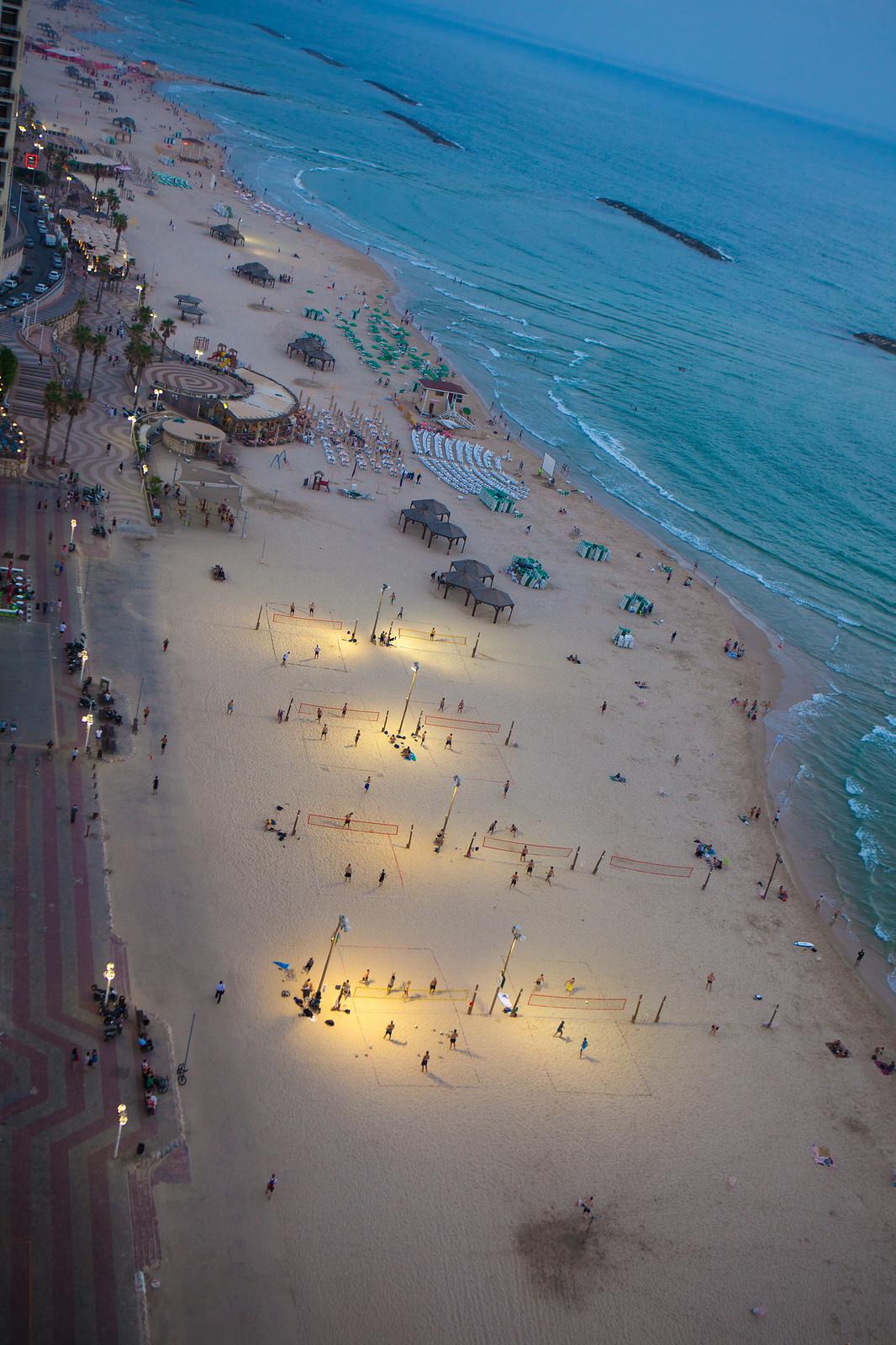 Tel Aviv_ Beach_1_Dana Friedlander_IMOT