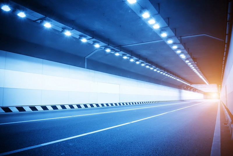 moving in tunnel with blur light