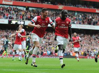 Bacary Sagna celebrates scoring the 3rd Arsenal goal