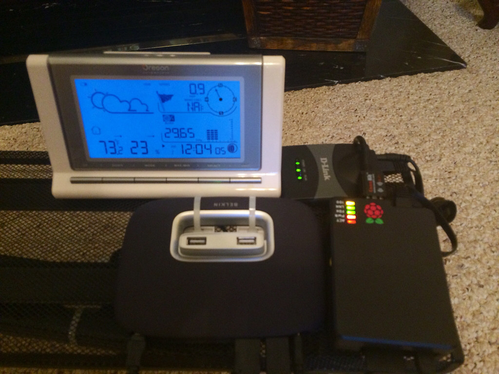 My Oregon WMR88 weather station running Weewx on a Raspber