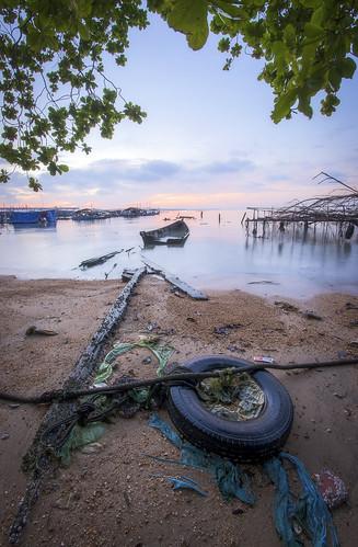 penang penangisland georgetown pulaupinang malaysia georgetownpenang sunrises sunrise longexposure landscape shore clouds seashore seascape samyang12mmf28edasncsfisheye samyang12mmf28 fisheye samyang nikond750 nikon ahweilungwei sampohtemple fishermenwharf batumaung penangsecondbridge secondpenangbridge gelugor my frontground defish persoective
