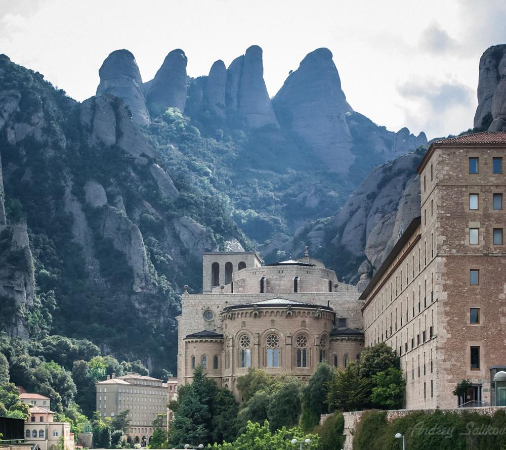 Montserrat, Catalonia, ES. Explore!
