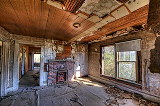 Abandoned House on Hwy 278 - Living Room | by ZannWalker