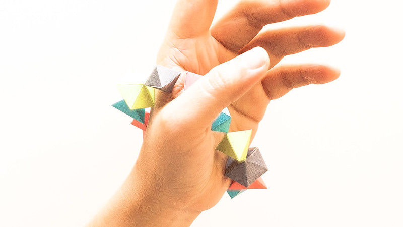 วิธีทำของเล่นโมเดลกระดาษทรงเรขาคณิต 008