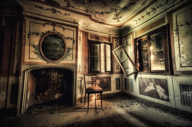 Villa R.C.   sad beauty....  fragilimemorie.com