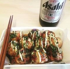 Homemade takoyaki complete. Some things just go better with Asahi Super Dry (-;