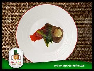 Barrel-Oak-Grill-Tuna-steak-with-sweet-potato-mash-asparagus-and-chilli-mayo