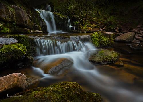 waterfall wasserfall river fluss breconbeacons talybont wales water wasser flow rocks felsen moss moos motion bewegung longexposure langzeitbelichtung canon filter oliverherbold