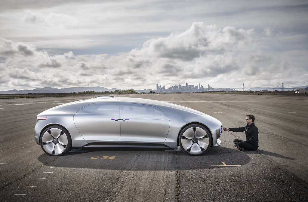 Mercedes F 015 >> Mercedes Benz F015 With The Self Driving Luxury Sedan F 01