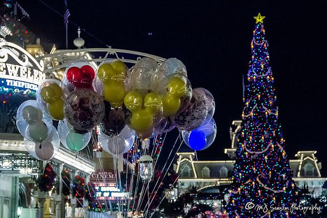 Balloons @ Christmas