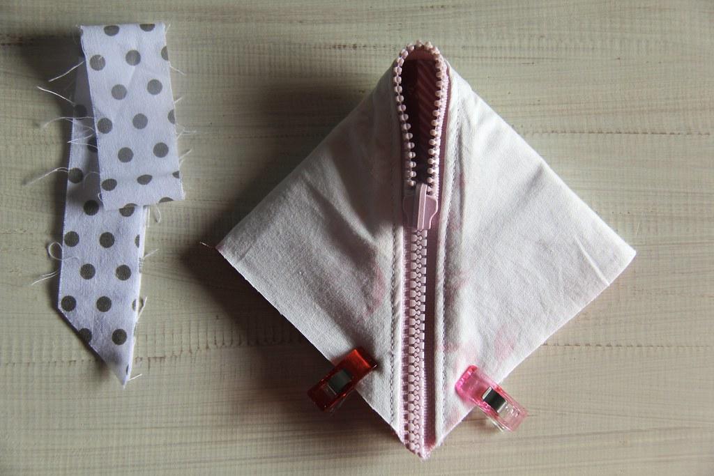 Half square triangle pouch