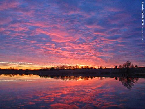 sunset color colour colors colours sky westernsky skies clouds sunlight reflection evening 2017 winter january january2017 heritagepark johnsoncounty joco kansas usa