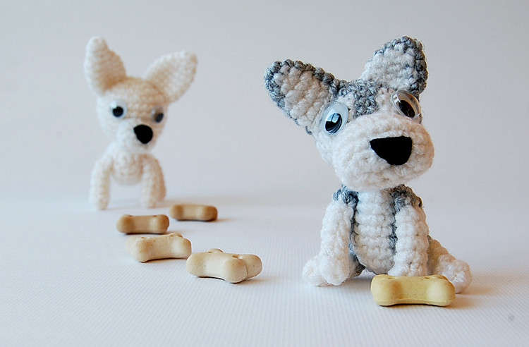 Cuddle me puppy - free amigurumi dog toy pattern | Mindy | 492x750