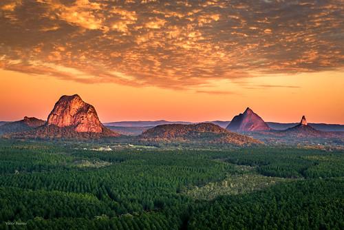 australia queensqueensland sunrise peaks glasshousemountains mountain coochincreek queensland au