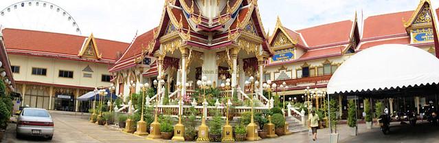 Wat Rajsingkorn  or Wat Prakarai  next to Asiatique, the Riverfront, Charoen Krung road, Bang Kho Laem District, Bangkok, Thailand.