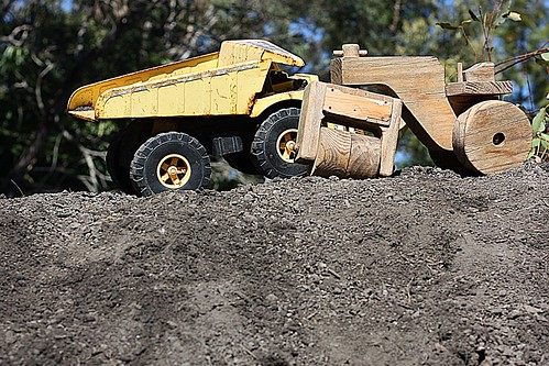 tipper dirt roller trucks remy whatacharacter idlovehimtoreallyfindgold