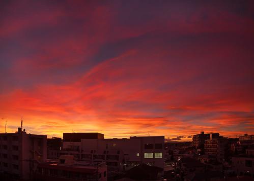 sunset red sky weather horizontal skyline night clouds canon buildings cloudy 5d yokohama fiery markii nakayama 2013 manyi karlocamero jankarlocamero