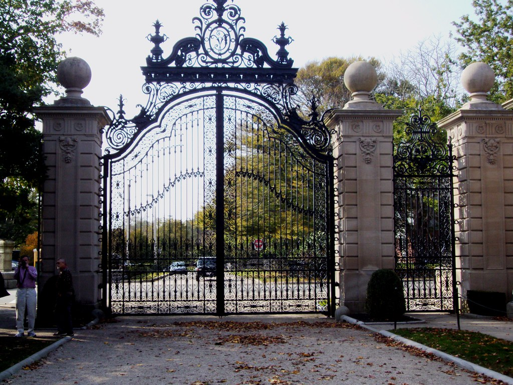 Wrought Iron Entrance Gates To The Vanderbilt Summer House Flickr