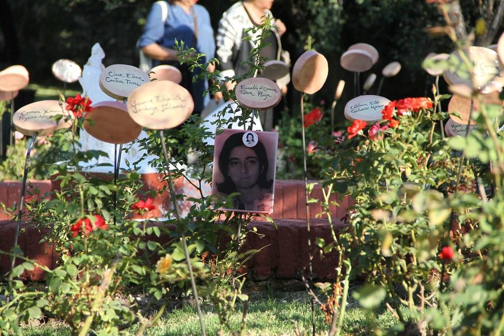 Memorial Jardín de las Rosas de Villa Grimaldi ...
