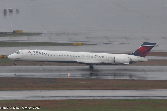 N957DN - 1997 build McDonnell-Douglas MD90-30, departing from Runway 08R at Atlanta