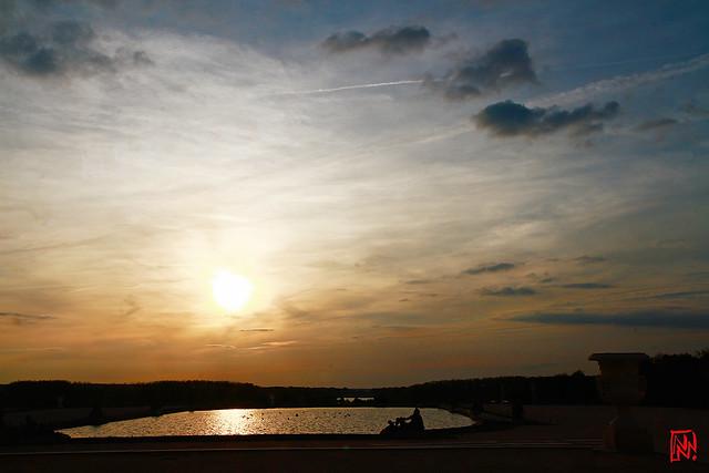 Le Roi-soleil se couche sur le Parterre d'eau