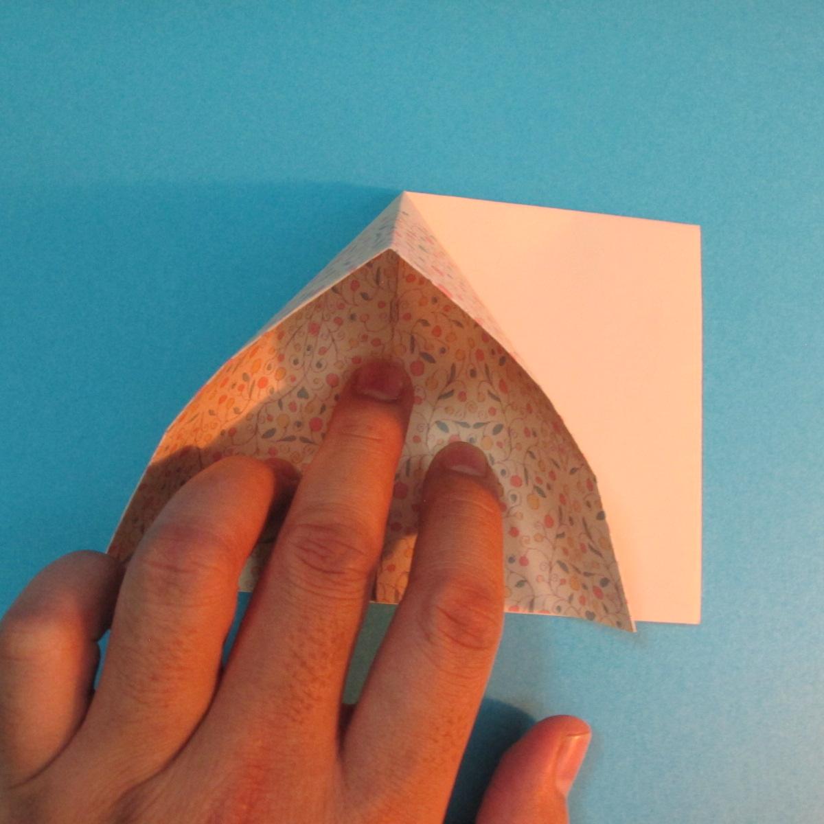 วิธีพับกระดาษเป็นผีเสื้อหางแฉก 019
