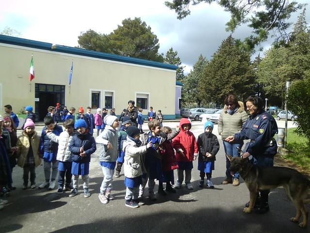 villaggio azzurro incontra la polizia di stato