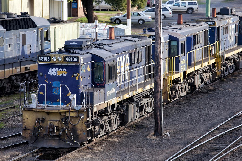 48108 at Cootamundra by Trent