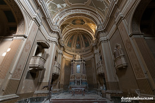 Skull's church | by dustandsilence.net