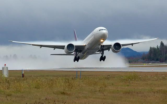 HS-TKL Thai Airways International Boeing 77W