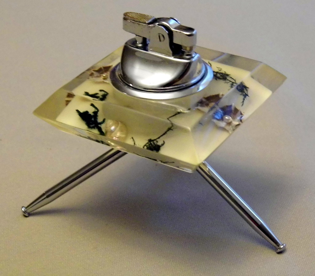 Awe Inspiring A Stylish Acrylic And Chrome Table Cigarette Lighter Beac Interior Design Ideas Gentotryabchikinfo