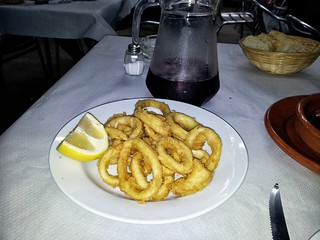 San Rafael, Segovia | La Serrata | Calamares | by moverelbigote
