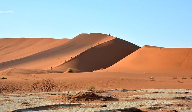 Walk to Deadvlei (Dead Pan) - Namib-Naukluft National Park.