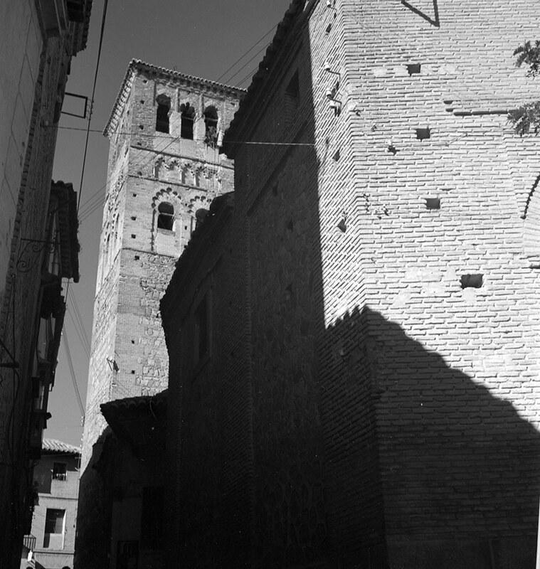 Torre de Santo Tomé en Toledo en los años 50. Fotografía de Nicolás Muller  © Archivo Regional de la Comunidad de Madrid, fondo fotográfico
