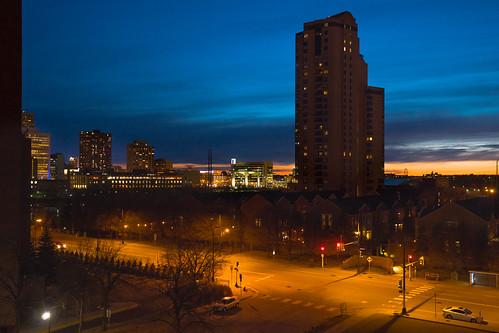 shoeleathermedia sonyalpha zeiss dusk evening minneapolis minnesota street twincities urban bluehour city night sunset