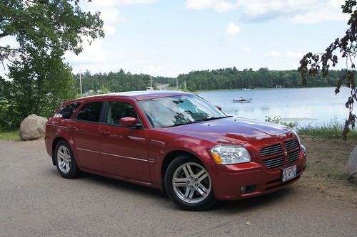05 Dodge Magnum RT   by Crown Star Images