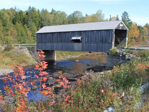 bridge autumn canada nature water leaves canon river seasons newbrunswick coveredbridge historical colourful maples swimminghole