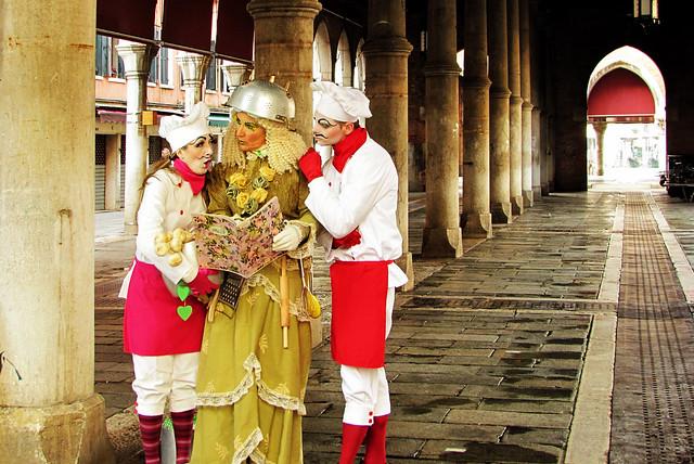 Venezia, il carnevale ... tre personaggi in cerca d'autore