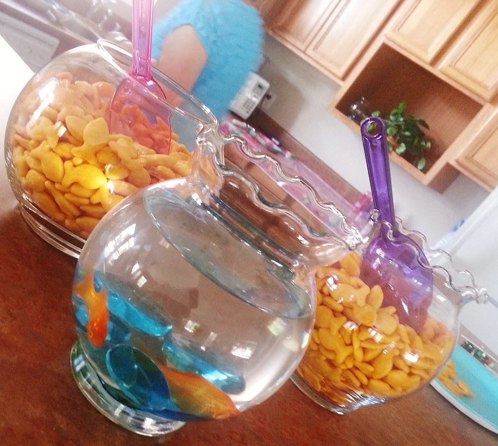 Little Mermaid Party Ideas These Adorable Fish Bowls Fille