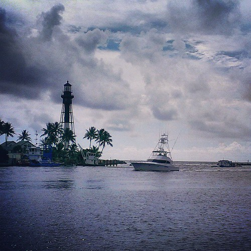 Hillsboro Inlet, Florida #iwitnessweather #instagram_florida #instayacht #instaflorida #FortLauderdale #istabilizer #Florida   by Daniel Piraino