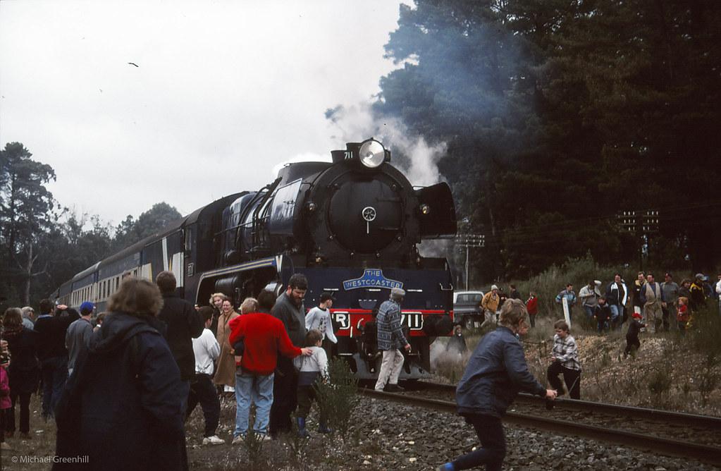 R711 at Creswick by michaelgreenhill