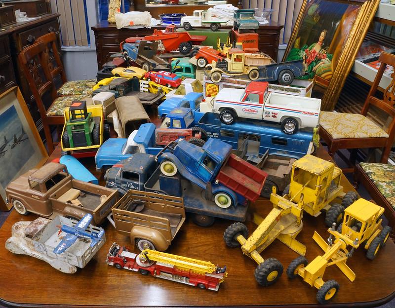 Tonka, Buddy L, Marx, Lamar Trucks DSC06272